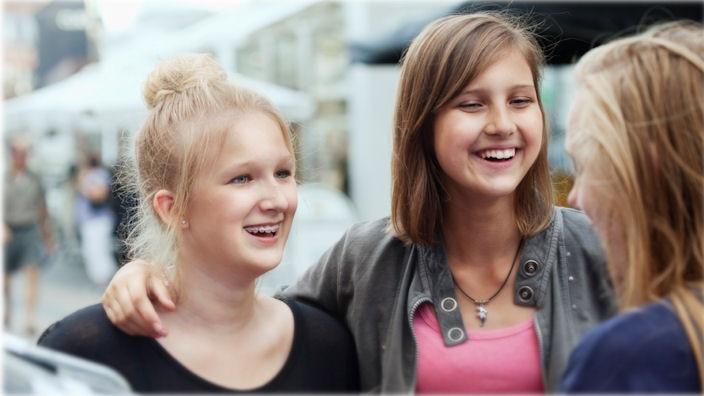Se videon om att vara tonåring med spina bifida